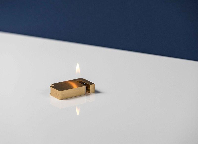Зажигалка с нестандартной подачей пламени Knnox