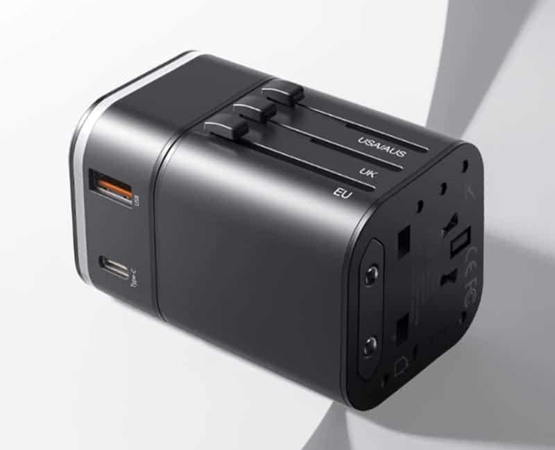 Универсальный зарядник-адаптер от Baseus