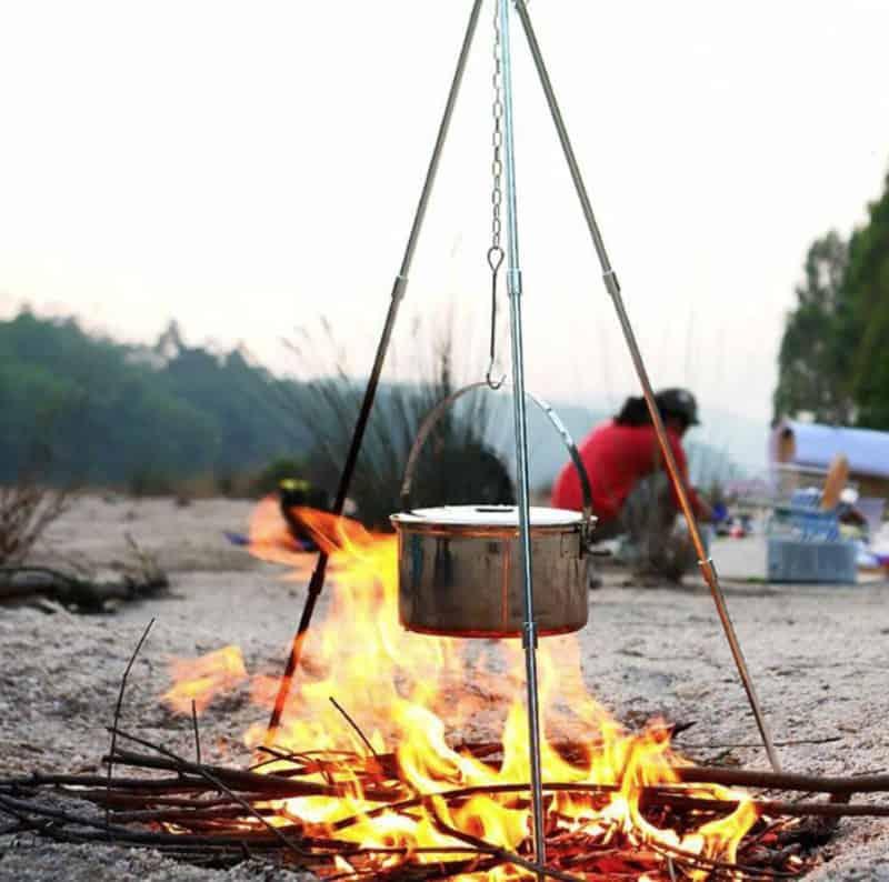 Тренога для готовки на костре