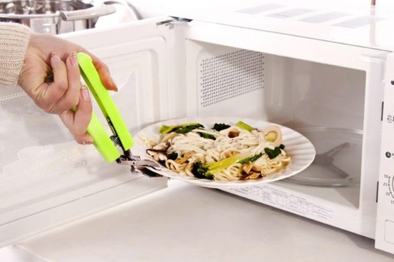 Универсальный захват для посуды