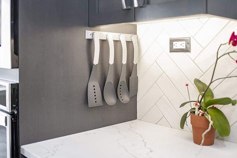 Кухонный набор с магнитным креплением