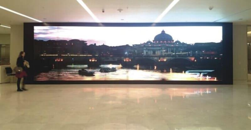 Видеостена из 55-дюймовых панелей LG