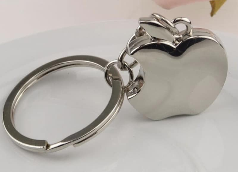 Брелок для фанатов Apple