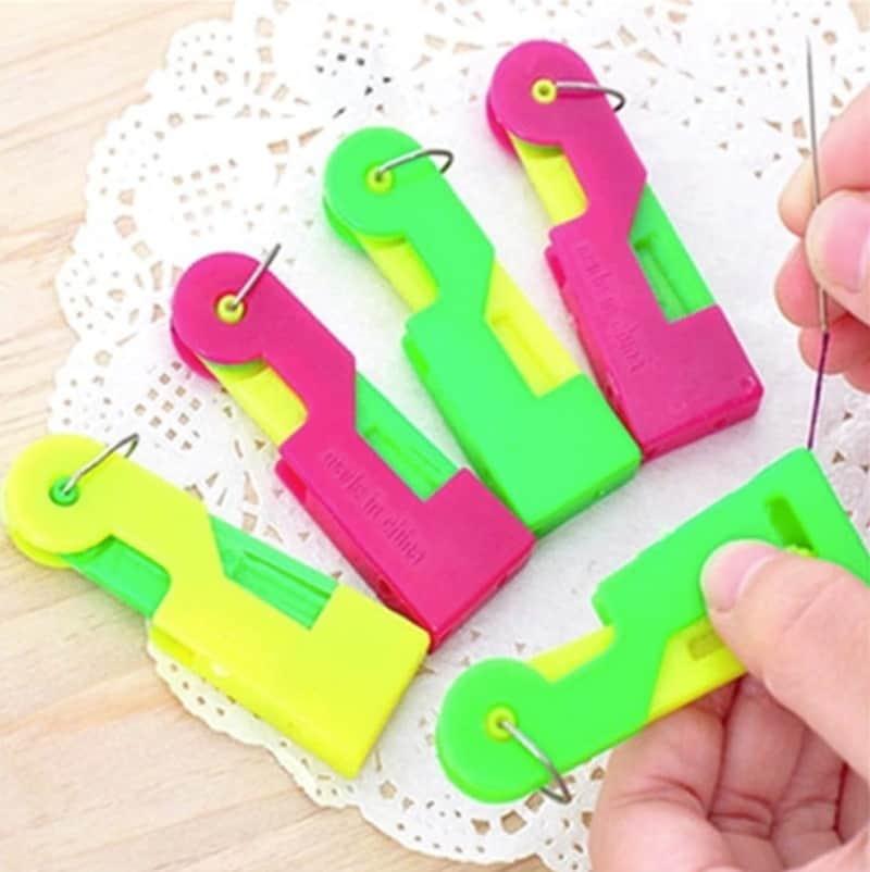 Инструмент для вдевания нитки в иголку