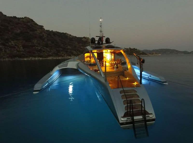42-метровый тримаран Adastra
