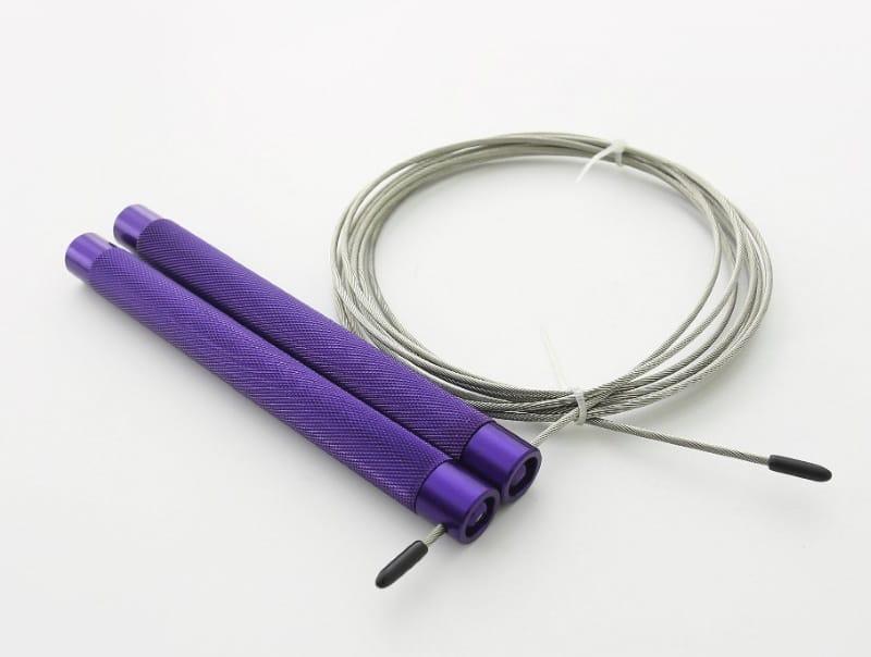 Скакалка с ребристыми ручками
