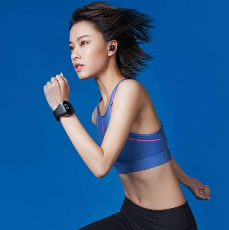 Беспроводные наушники с браслетом-зарядкой Wearbuds