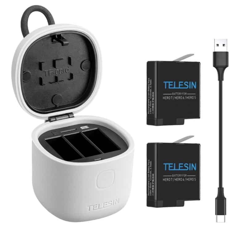 Тройной зарядник для аккумуляторов под GoPro от Telesin