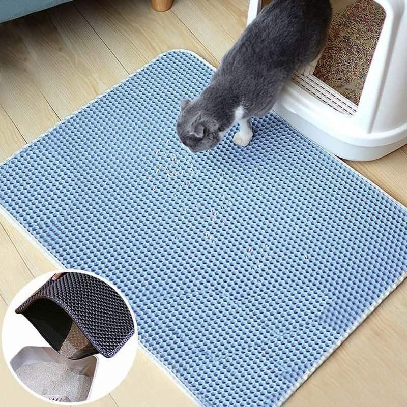 Пористый коврик для кошек