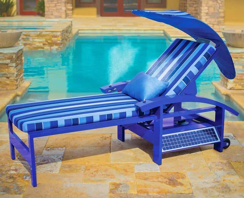 Умный лежак с колонками и солнечной панелью SolaLounge