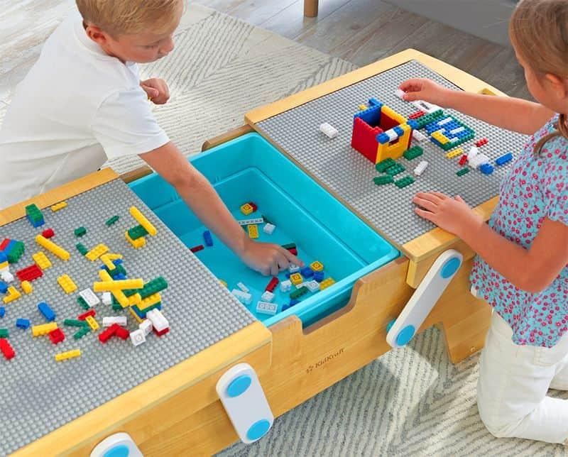 Детский столик для любителей Lego