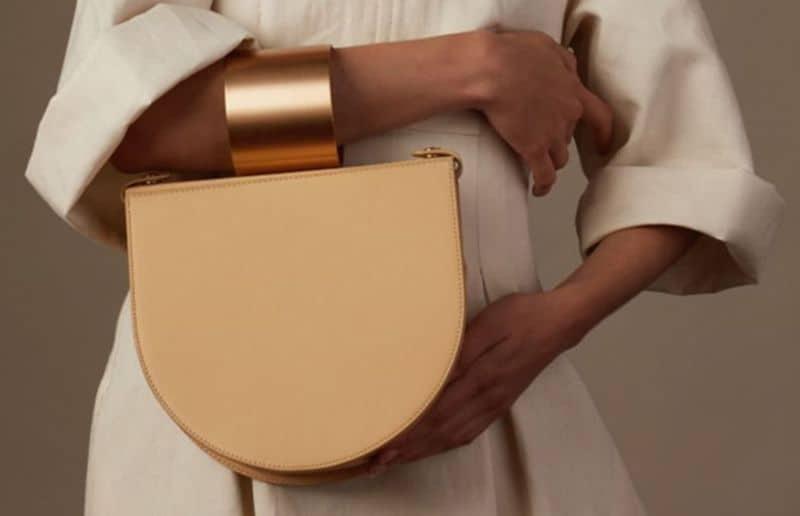 Стильная сумка с браслетом