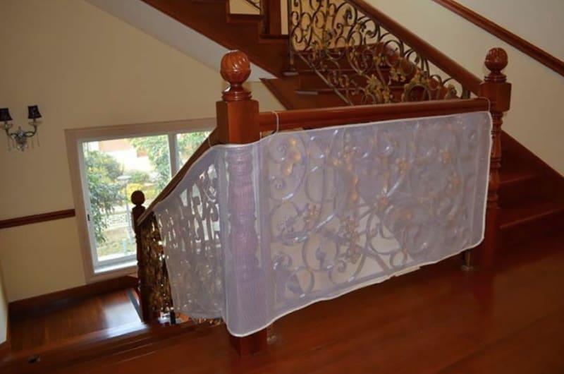 Защитная сетка для балкона и лестниц