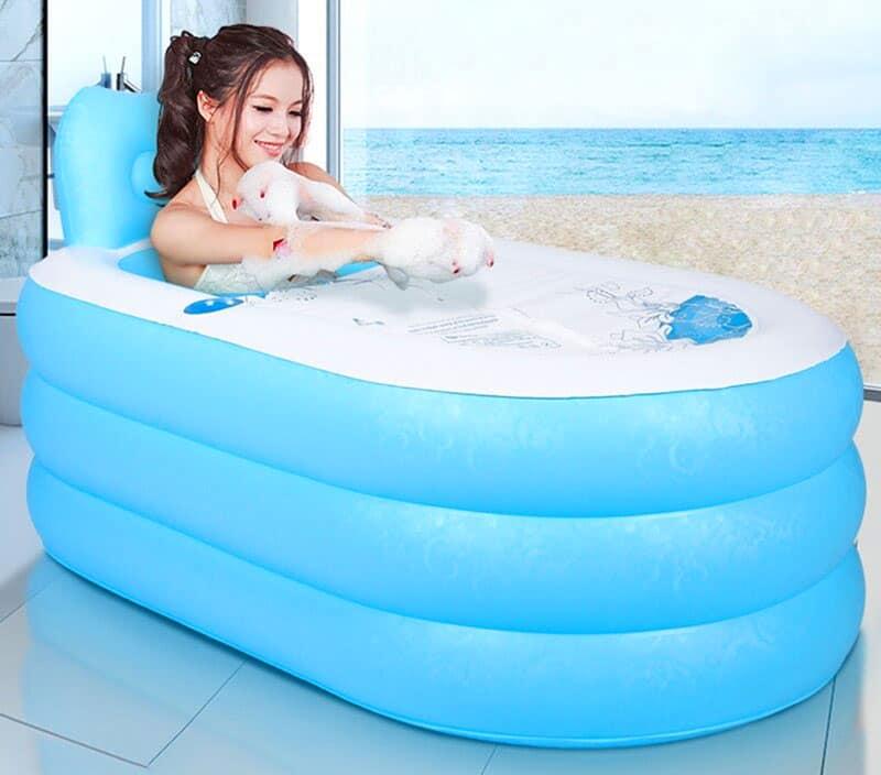 Надувная ванна с подстаканником