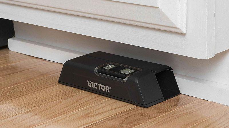 Электрошоковая мышеловка Victor M1 с управлением по Wi-Fi