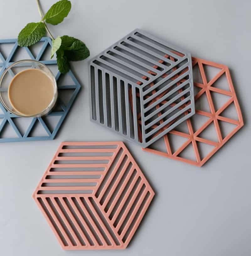 Шестигранные подставки с геометрическим узором