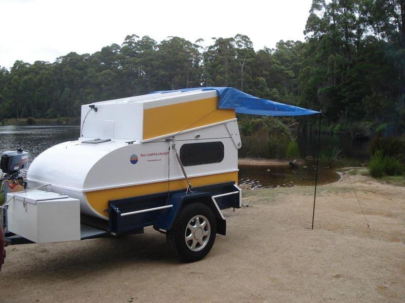 Лодка и дом на колёсах в одном Mini Camper Cruiser