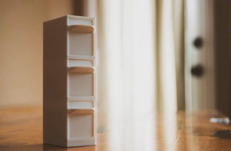 Вертикальный органайзер для хранения карт памяти