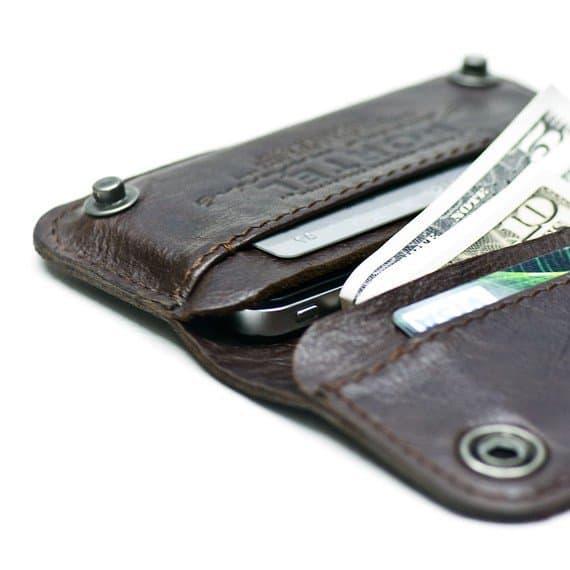 Винтажный кожаный чехол-кошелек для iPhone.