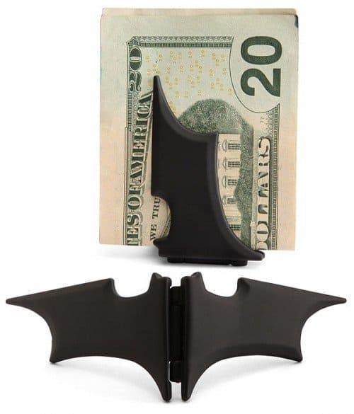 Зажим для денег в стиле Бэтмена