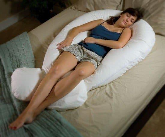 Как спать на подушке для беременных u 66
