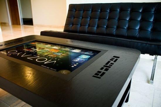 interaktivnyj-stol-mozayo-multi-touch