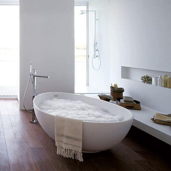 VOV Bathtub by MastellaDesign