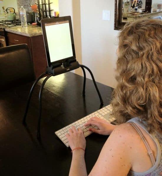 TabLift - A Hands-Free iPad Holder