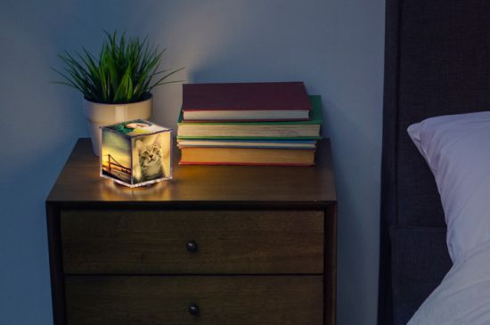 Cubee - The Illuminating Instagram Photo Cube