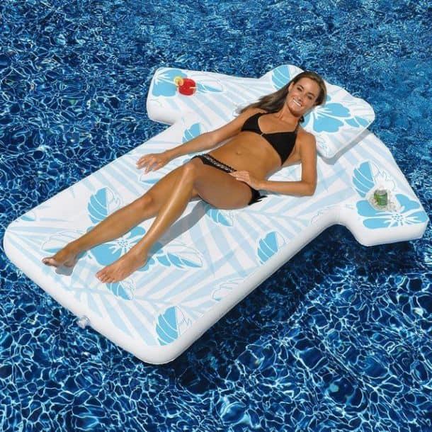 Необычные надувные матрасы для плавания